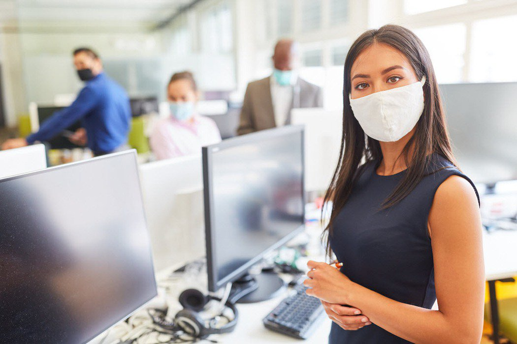 2020年世界各地受到新冠肺炎疫情衝擊下,各國經濟受到龐大的衝擊。