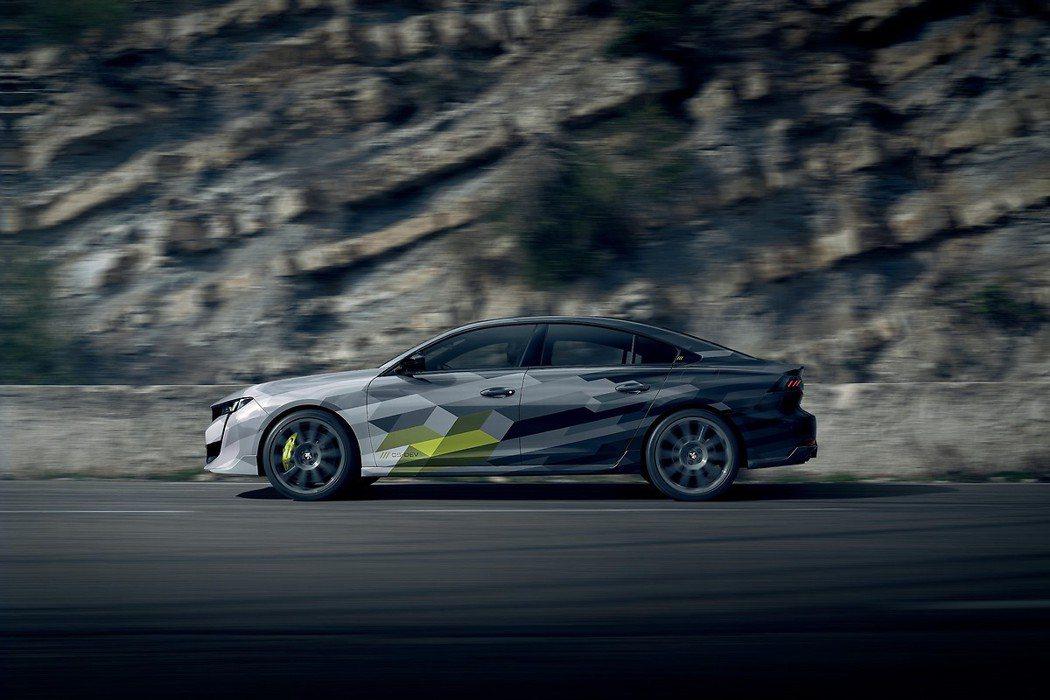 不論四門轎車還是SW旅行車車型,都僅需5.2秒即可完成0-100km/h加速。 ...