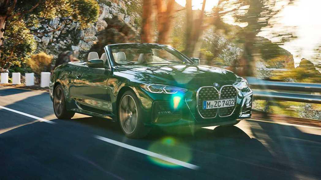 新世代BMW 4 Series Convertible (G23)。 摘自BMW