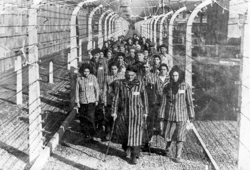 德意志銀行還提供融資,興建奧許維茲死亡集中營和附近的一座工廠。 圖/法新社