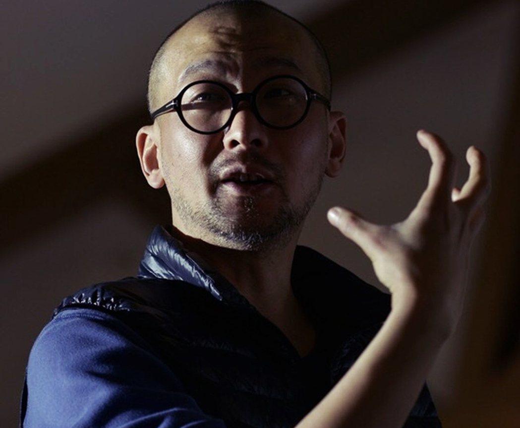 管虎是中國第六代導演,出道之際正值中國的城市化,城市裡的城鄉移工、次文化等問題成...