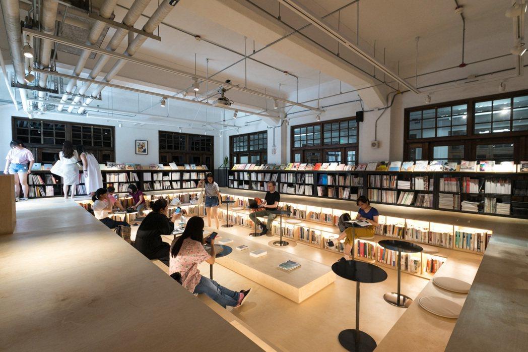 位於松山文創園區的「不只是圖書館」。記者 陳立凱/攝影