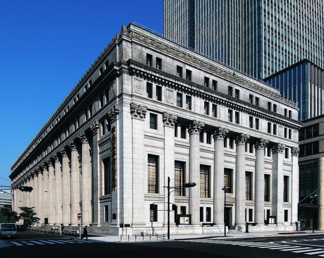 故事中的東京中央銀行,拍攝取景地點為三井紀念美術館,現在也成為影迷的聖地巡禮地標...