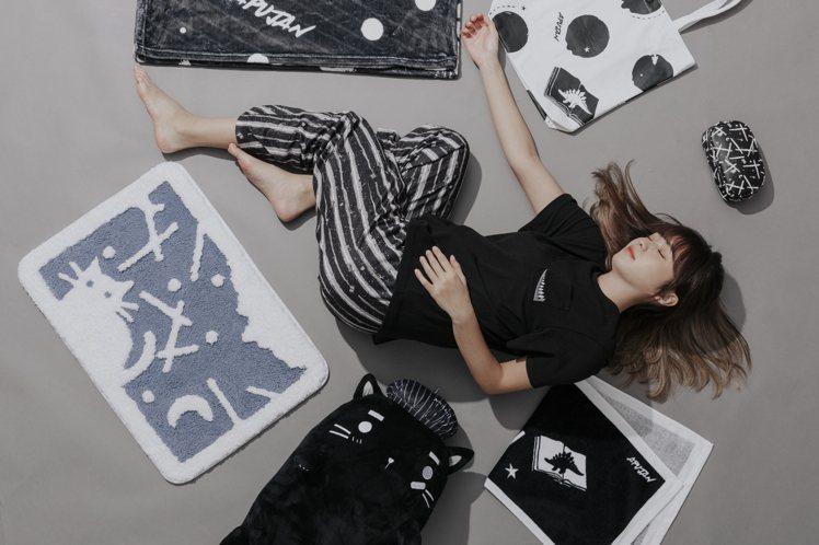 全家便利商店首度與時裝品牌APUJAN攜手,獨家打造「APUJAN X Fami...