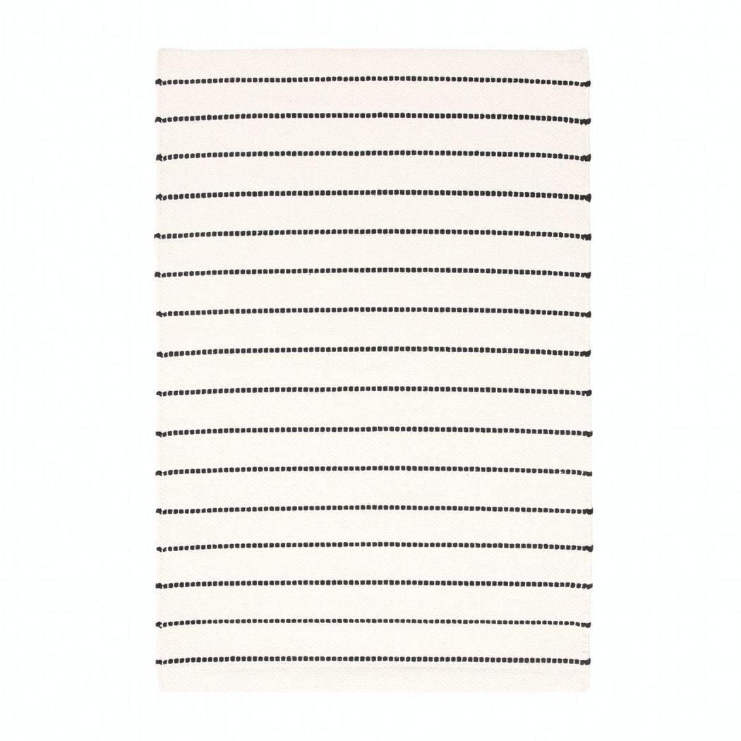 TÖRSLEV平織地毯原價399元,特價99元。圖/IKEA提供