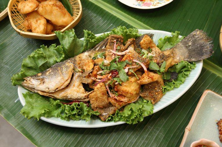台灣限定推出的「伊善香酥炸鱸魚」,每份520元。記者陳睿中/攝影