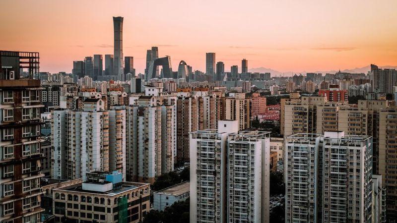 分析人士預計,今年大陸房價漲幅有所縮小,明年上半年續放緩,而房地產成交量基本持平於去年。圖/取自FT中文網