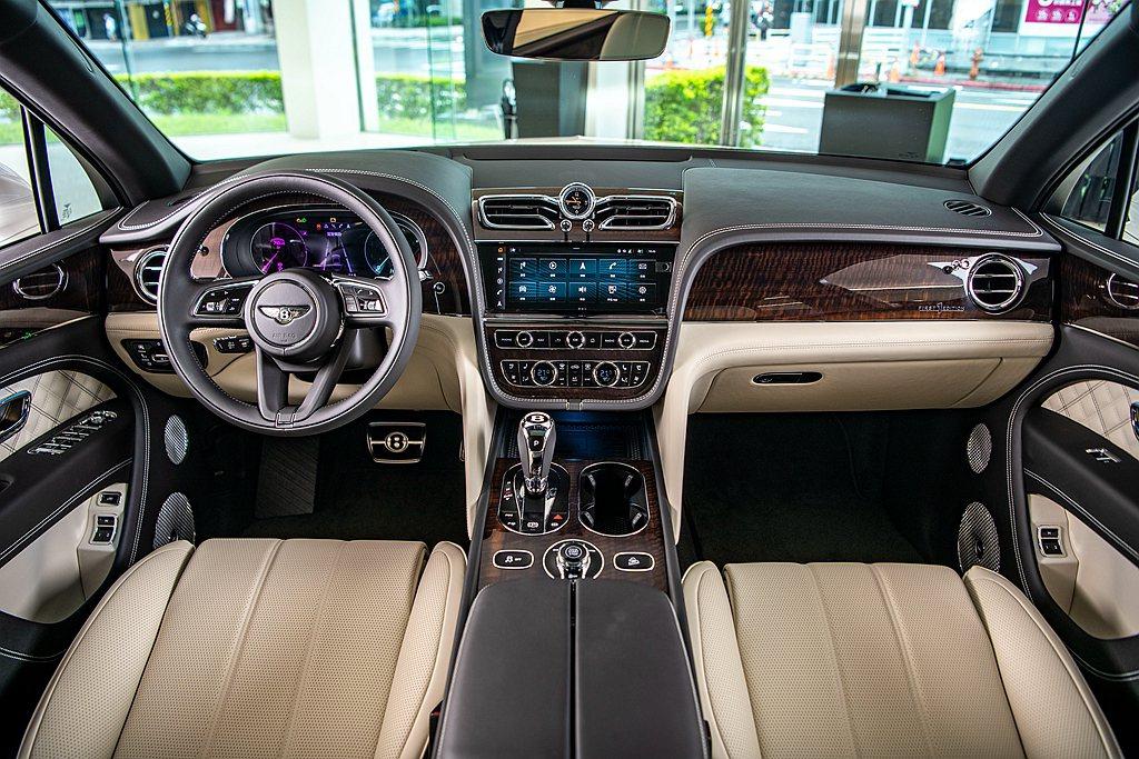 小改款Bentley Bentayga車室內裝,以全新設計更講求使用者日常需求機...