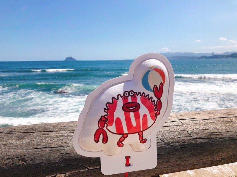 可愛逗趣的萬里蟹裝置藝術。圖/新北漁管處提供