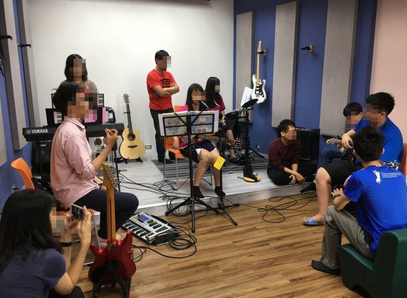 台南市教育局為中輟生打造復學方案,復學率六都第一。記者鄭惠仁/攝影