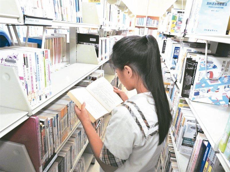 文化部今公告110年第1期「推廣文學閱讀及人文活動補助作業要點」,補助項目分為文學推廣、閱讀推廣及人文思想推廣3類。本報資料照片