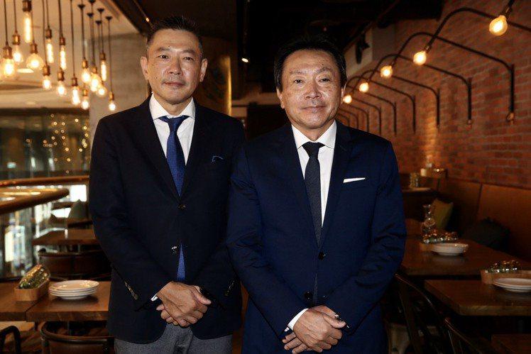(圖左起)新光三越副董事長吳昕陽、董事長村上英之。記者林俊良/攝影