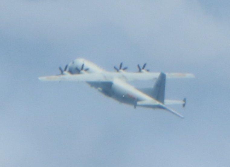 國防部今天(1)發布中共解放軍運八反潛機進入我西南空域活動情況,並發布攝得影像。圖/國防部