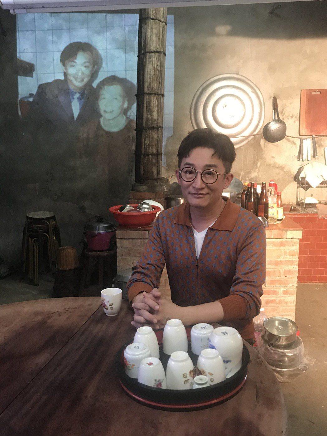 導演透過影像讓徐哲緯與阿婆祖孫倆同框。圖/秩立娛樂工作室提供
