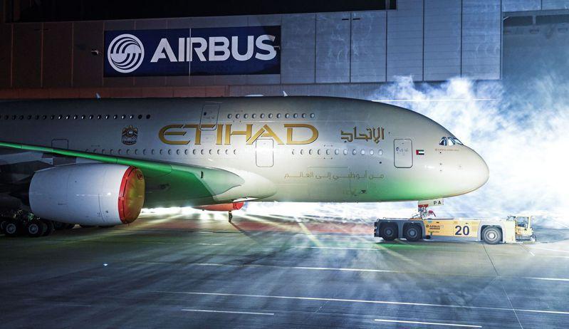 新冠肺炎疫情重創全球與航空相關的從業人員。路透