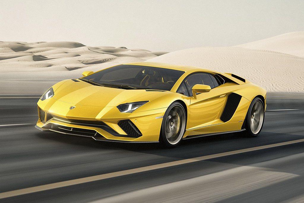 義大利超跑車廠Lamborghini,旗下V12動力超跑Aventador於日前...