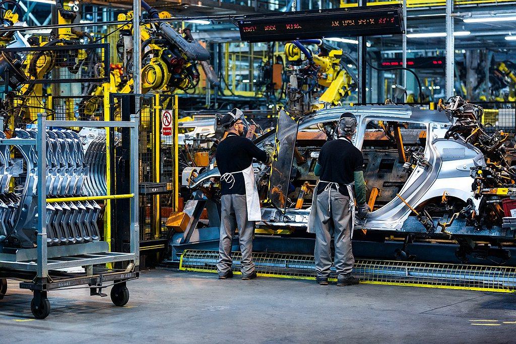 就在9月9日世界電動車日之際,Nissan慶賀第50萬輛Leaf下線,這個成就是...