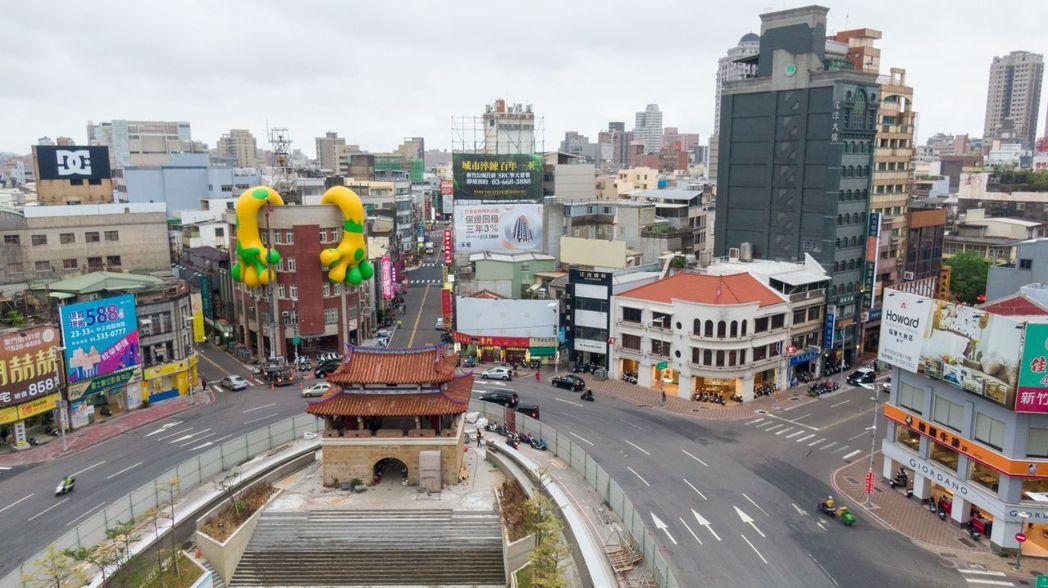 2020台灣設計展在新竹,11隻新竹獸陸續現身市區,串起城市公共廊道。圖/202...
