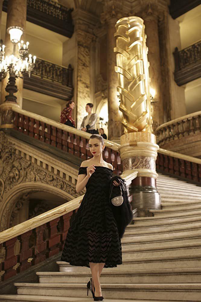 莉莉柯林斯演出新作「艾蜜莉在巴黎」。圖/擷自IMDb
