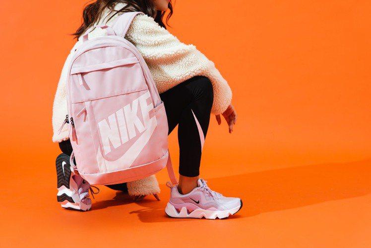 單筆消費累積滿6,800元,就有機會得到Nike Sportswear Elem...