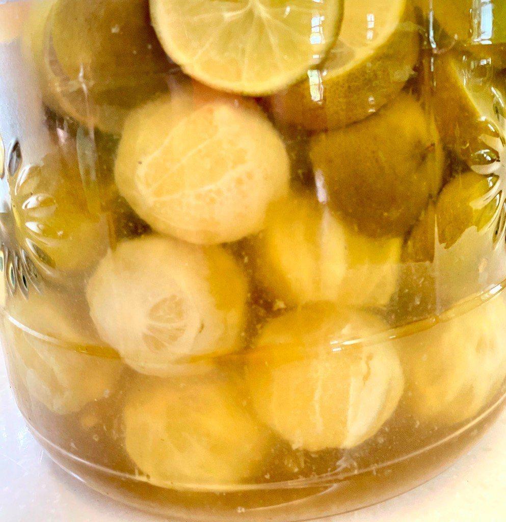 陳年檸檬醋 檸檬、米醋和糖的比例是1:1:2 圖/朱慧芳提供