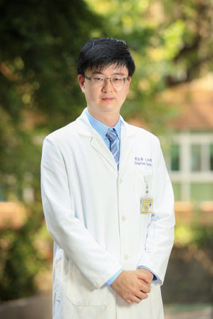 台北榮總高齡醫學中心醫師曾崧華。