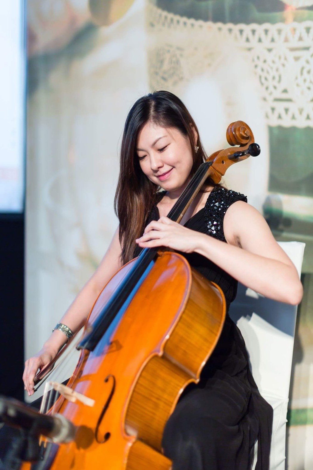 「大提琴界的林志玲」嫚凌靠嚴格飲食和運動,讓自己保持最佳狀態。圖片由嫚凌授權「有...