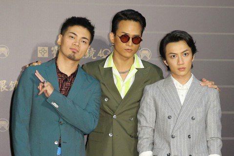 近年來在台灣大受歡迎的「茄子蛋」以「我們以後要結婚」專輯再戰金曲獎,團員阿德表示這張專輯要傳達的是「更成熟的愛與承諾」,主唱阿斌解釋隨著年歲愈來愈長,他們也要展現更負責任、對身旁的人更關愛的態度。3...