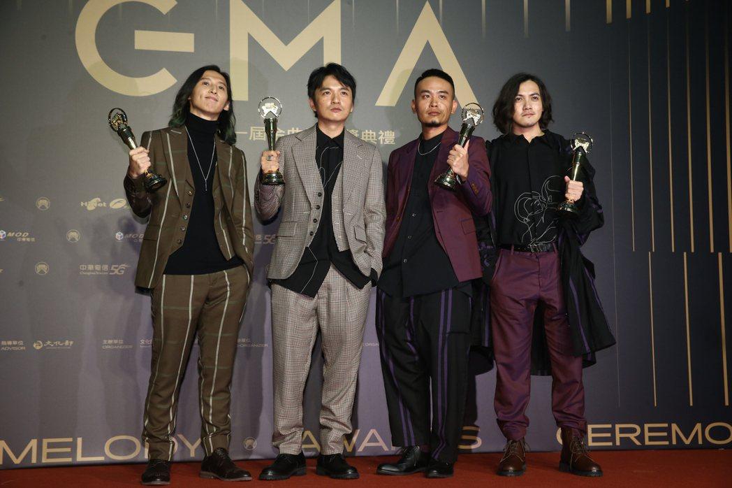 第31屆金曲獎,滅火器獲得最佳樂團獎。記者曾原信/攝影