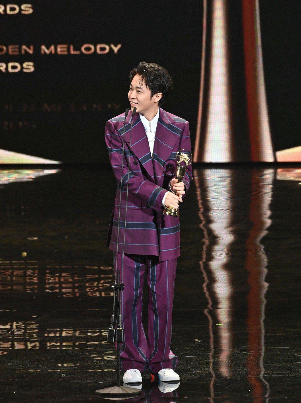 第31屆金曲獎,吳青峰獲得最佳國語男歌手獎。圖/台視提供