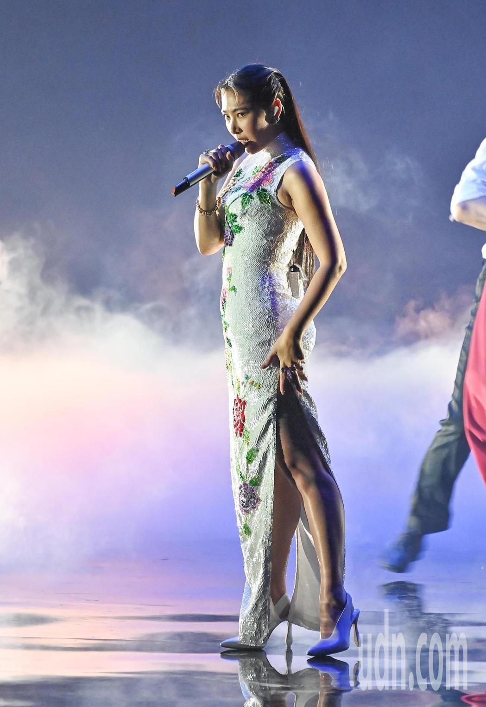 第31屆金曲獎,王若琳Joanna進行表演。圖/台視提供