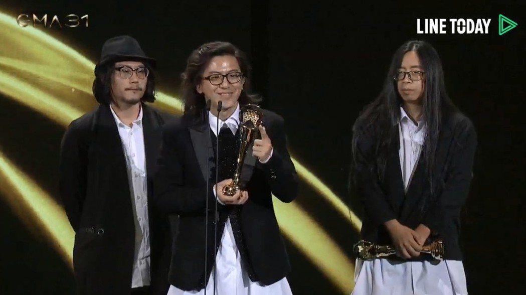 「非/密閉空間」獲得演奏類最佳專輯製作人獎。圖/摘自Line Today