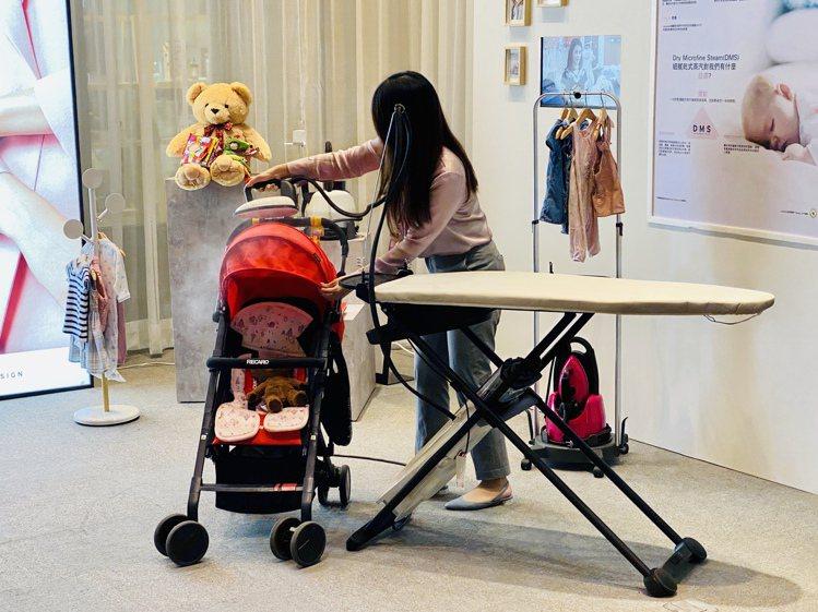 不只是衣物,LAURASTAR可針對居家常見織物,絨毛玩偶、摩托車安全帽、嬰兒推...