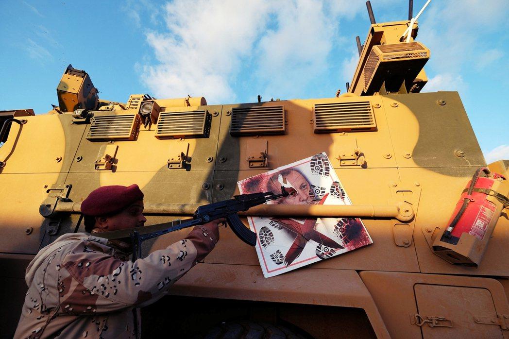 厄多安政府加強在利比亞的影響力,但法國、俄羅斯、阿拉伯聯合大公國都偏向LNA,土...