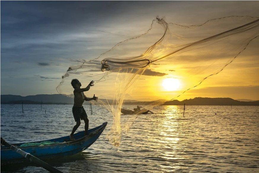 臺灣是世界上主要的漁業生產國之一,也是漁業消費大國,我們的遠洋漁船遍及全球海域。...