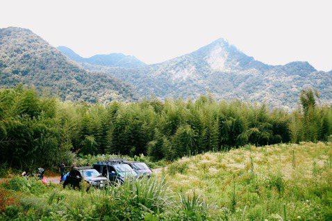從桃園「復興三尖」之那結山登山口遠望山脊。 圖/格式設計展策提供