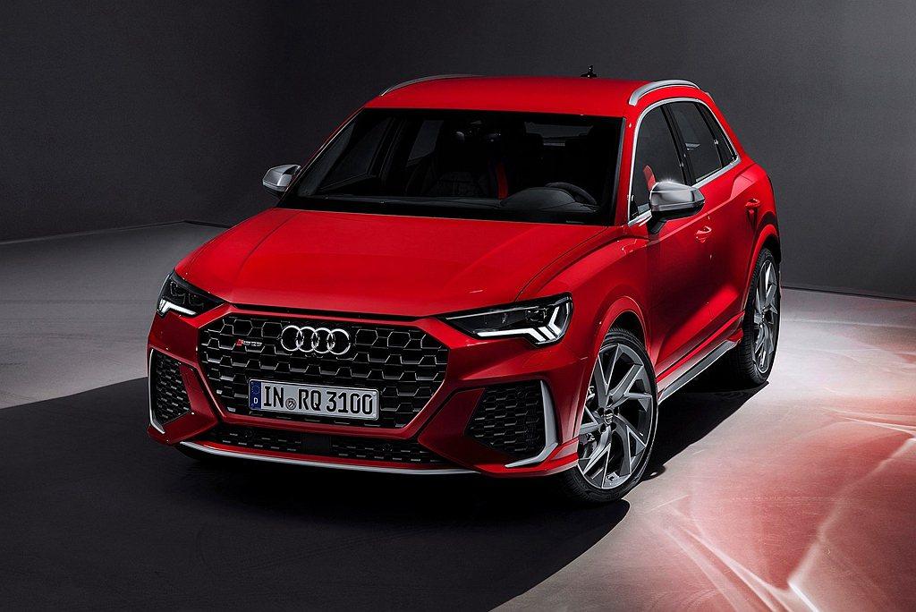 Audi RS Q3 Sportback首次登台上市,外觀擁有極具張力的設計,2...