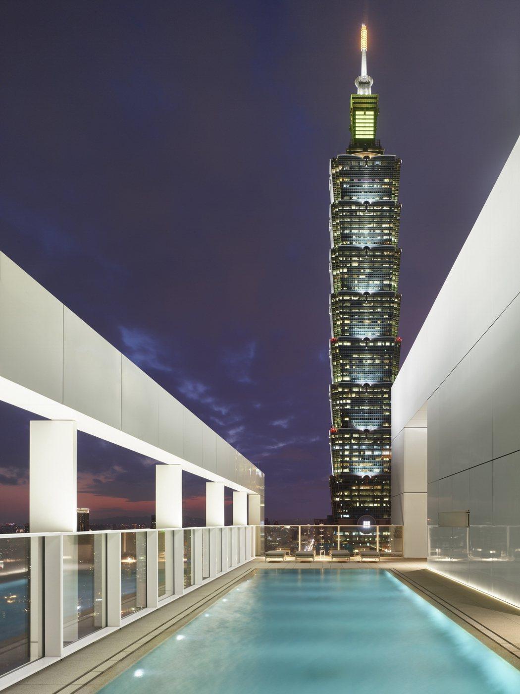 麥爾遍布全球的63座建築宅案中,逾半都是世界頂級富豪的私人訂製高級別墅與景觀會所...