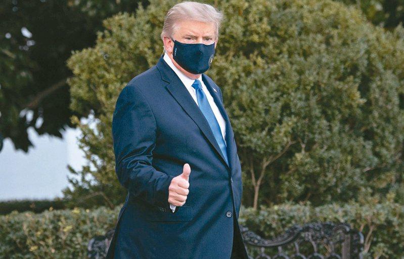 自川普與第一夫人宣布確診以來,白宮官員確診頻傳,但據華盛頓郵報(WP)的報導指出,白宮方面並未主動聯繫過去與總統接觸的人士,凸顯白宮的防疫鬆散。法新社