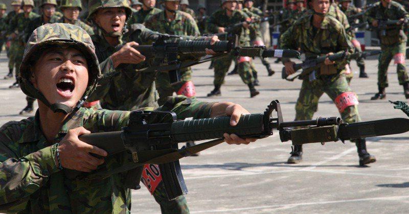 後備軍人利用出國規避教召,國防部修法仍難防堵。軍聞社