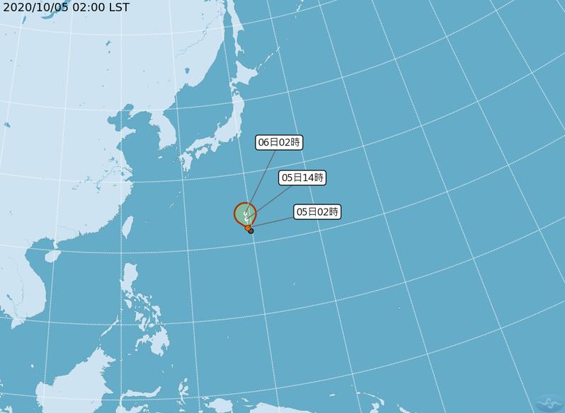 中央氣象局表示,熱帶低壓TD16,5日2時的中心位置在北緯 22.3 度,東經 139.4 度,以每小時11公里速度,向北進行,今有機會形成颱風。圖/中央氣象局提供