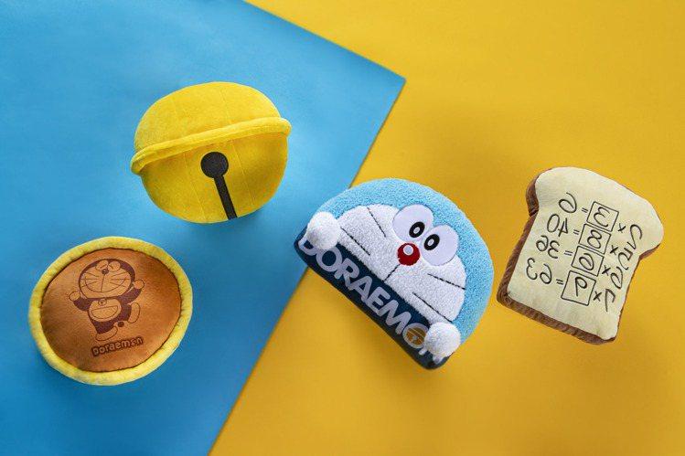 麥當勞自10月7日起至11月3日期間,限時推出4款「DORAEMON愛作夢抱枕」...