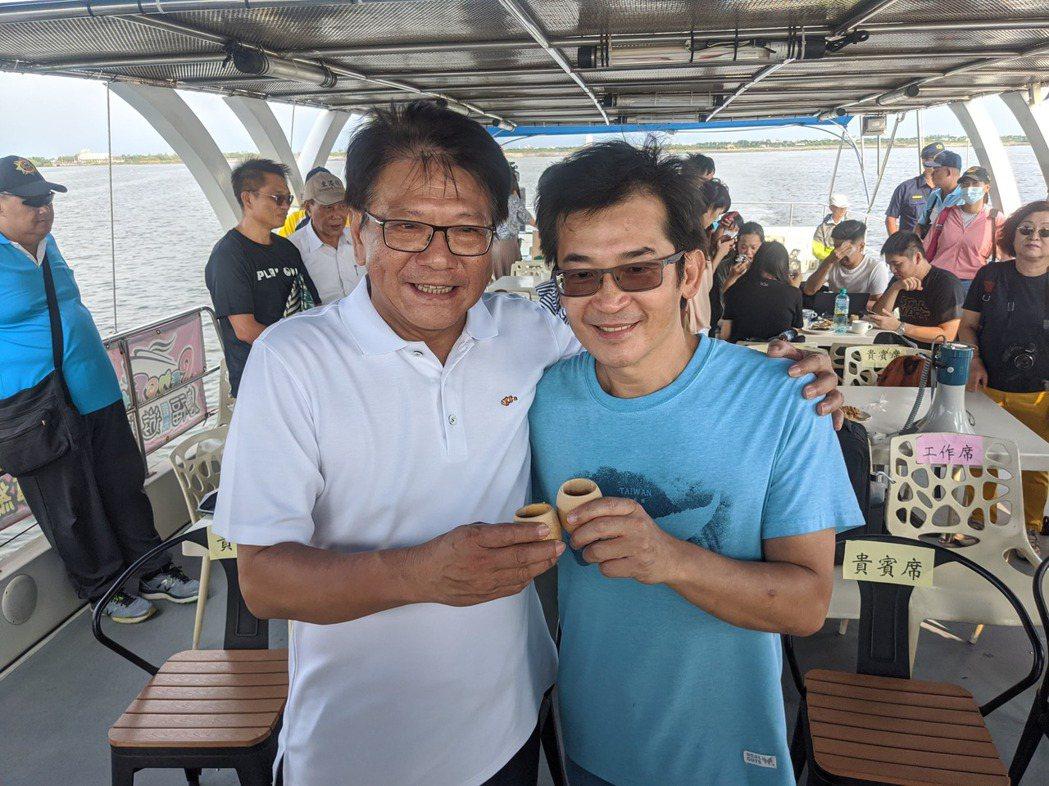 屏東縣長潘孟安(右)、導演魏德聖(左)一同出席「台灣三部曲」場景動工儀式。記者陳...
