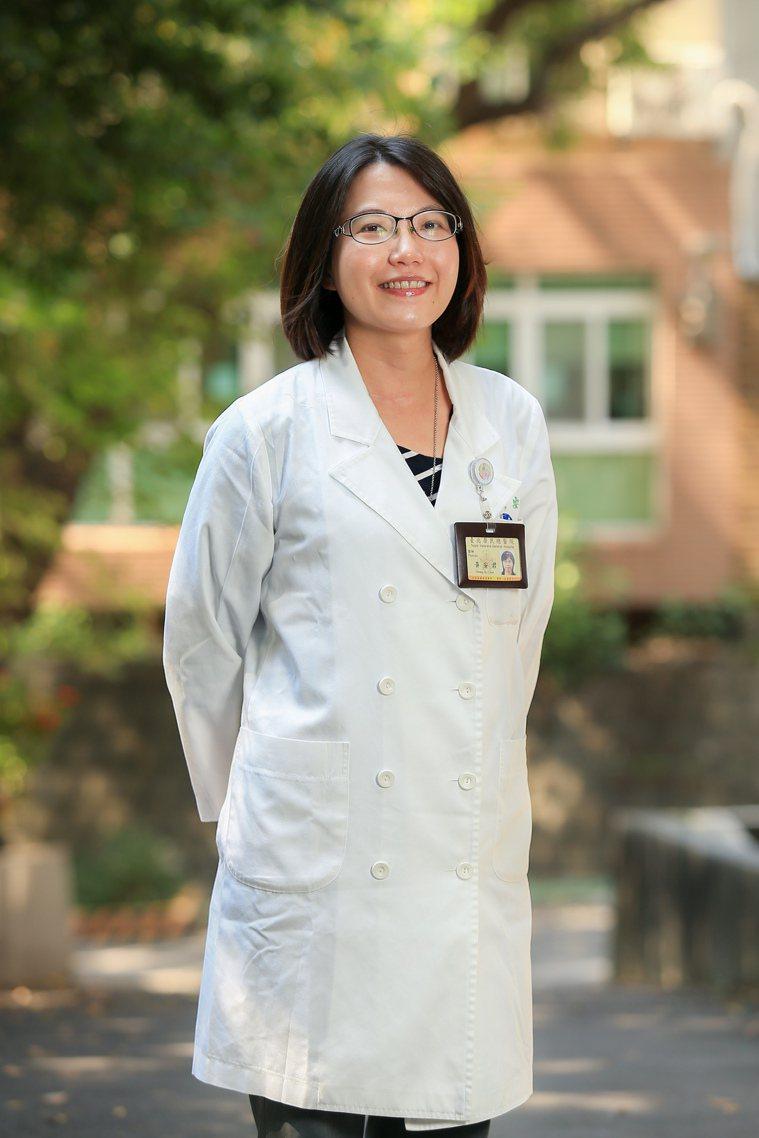 台北榮民總醫院高齡醫學中心主治醫師黃安君