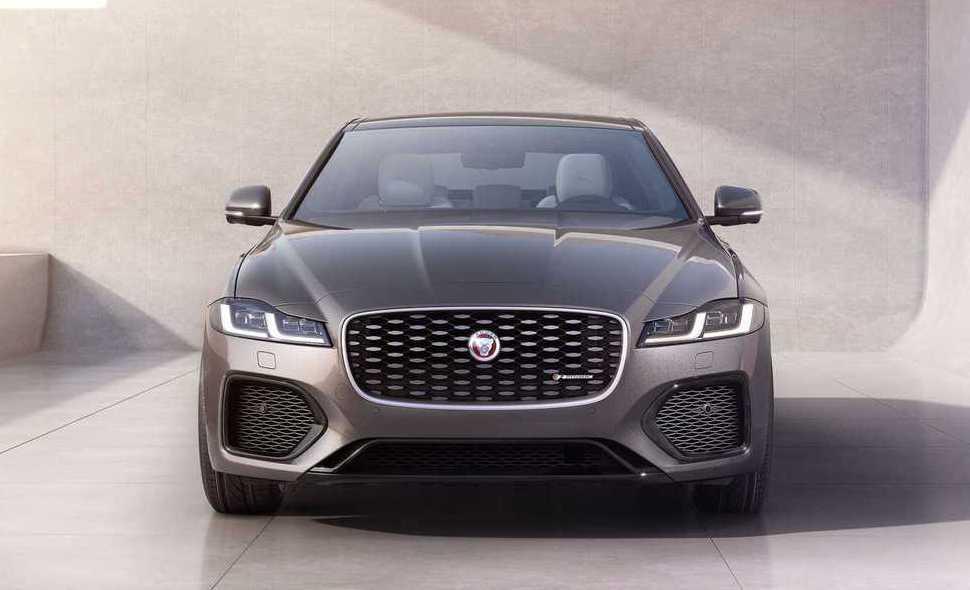 新XF不僅加大氣壩面積,還將高度降低,營造更寬的視覺效果。 摘自Jaguar