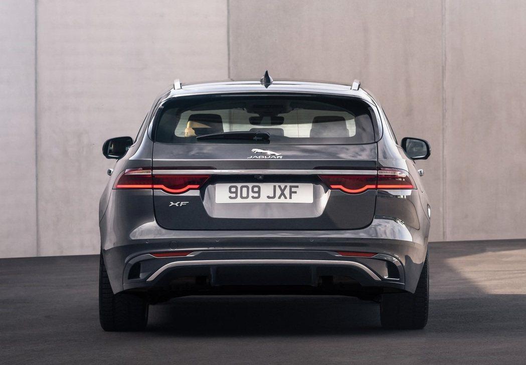 XF Sportbrake尾燈則是正常配色的版本。 摘自Jaguar