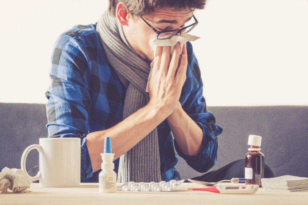 過敏性鼻炎與感冒常混淆。圖/ingimage