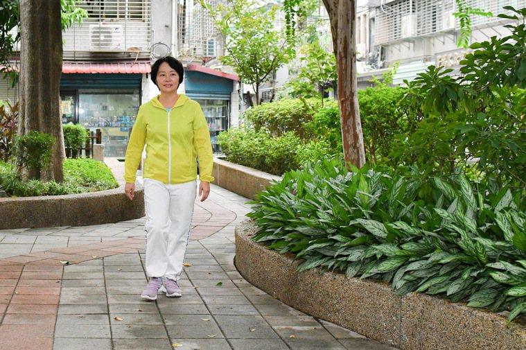 散步、遛狗等有氧運動無法訓練行動力,熟齡族應搭配肌力訓練,增加肌肉質量和骨頭的承...