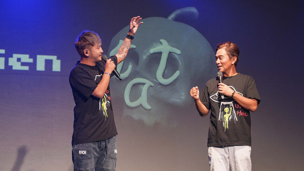 KID(左)與吳宗憲聯手主持小鬼追思音樂會。圖/滾石提供
