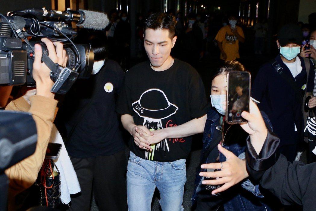 蕭敬騰出席黃鴻升「地球上最浪漫的演唱會」追思音樂會。記者林俊良/攝影